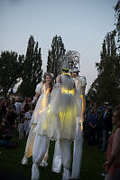 Stiltwalkers Performing
