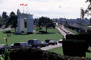 Lineup at Peace Arch