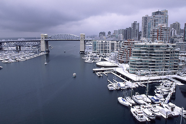john harvey's gorgeous picture of the burrard bridge, vancouver in snow